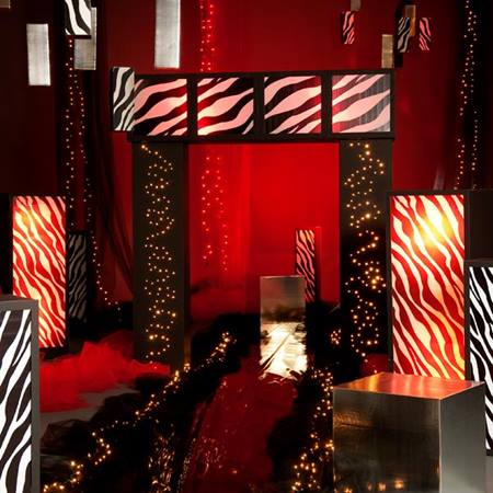 On the Wild Side Lighted Zebra Columns Kit (Set of 2)