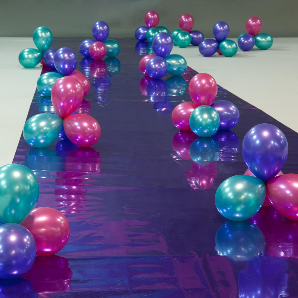 The Cosmic Way Path and Balloon Clusters Kit