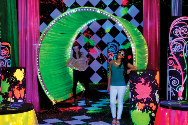 Teens love it and itu0027s great for senior all night parties after Prom parties and spring dances. Fill your event space with glowing decorations ... & Glow Ideas for Senior All Night Parties and Spring Dances ...